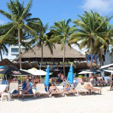 wah-wah-beach-bar-Playa-Del-Carmen
